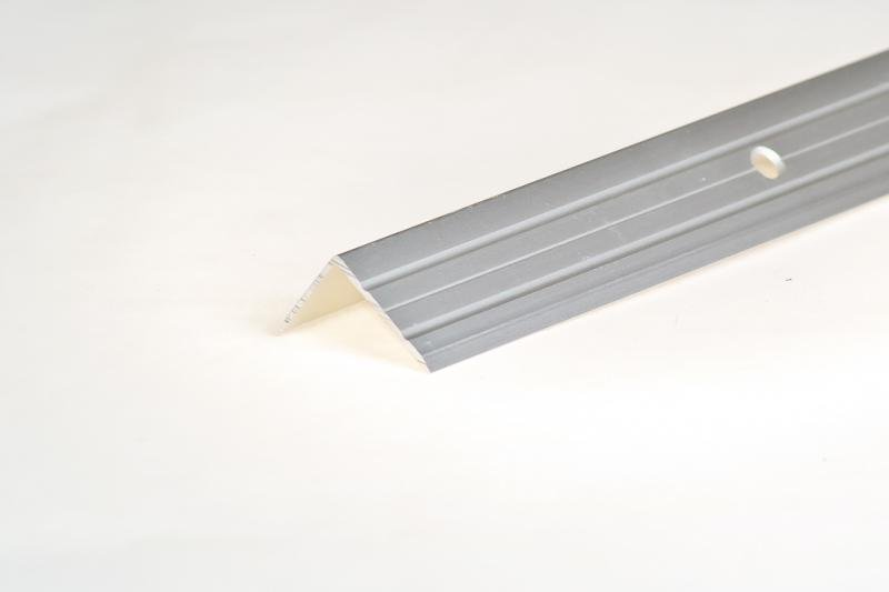 <b>Порог</b>-<b>угол</b> Д3 <b>24х18мм алюм</b>.анодированный серебро НЕ 0.9м ...